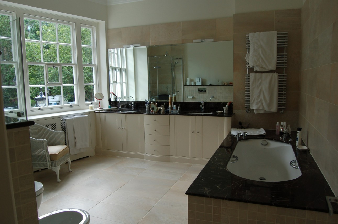 High End Bathrooms B T BUILDERS WE 39 RE WHO YOUR HOUSE WOULD CHOOSE
